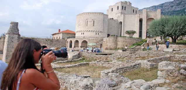 Imazhi i turizmit në fokusin e CNN dhe realitetit