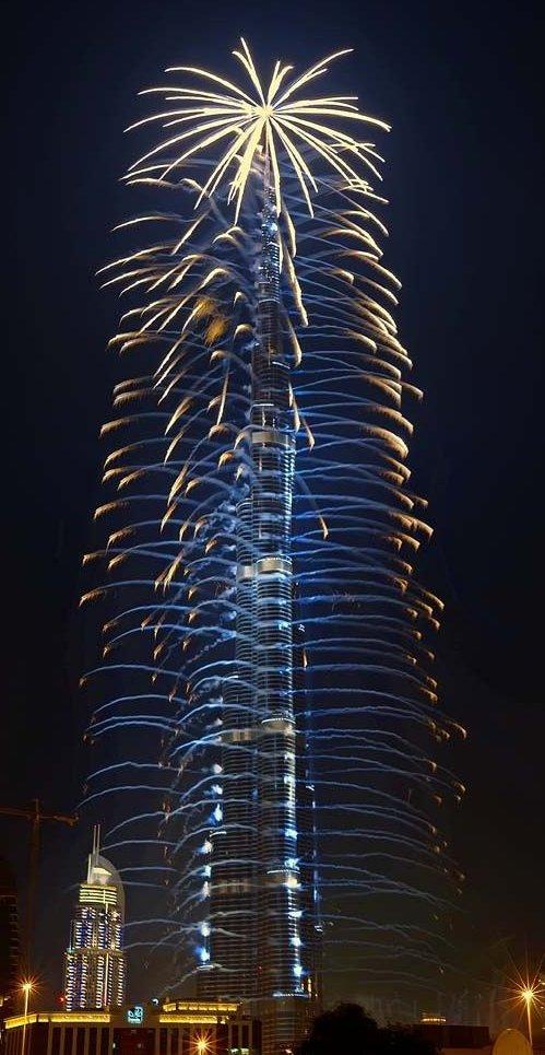 Viti i RI, 1 milion njerëz në qiellgërvishësin më të lartë në botë