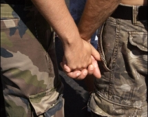 Të rinjtë shqiptarë janë homofobë