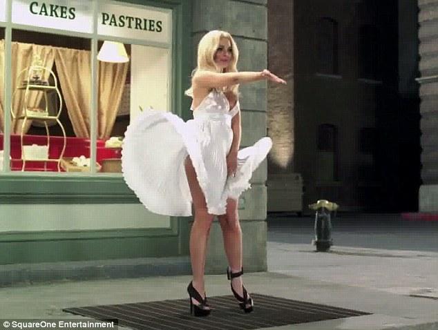 Lohan imiton Marilyn Monroe, por në mënyrë të shëmtuar
