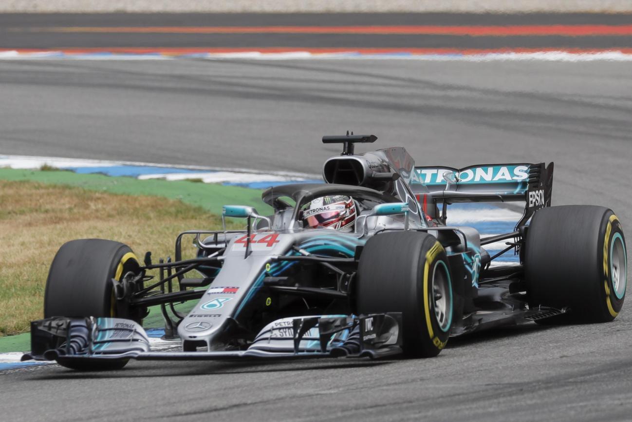 Garë spektakolare në Gjermani, Hamilton magjik, Vettel i pafat