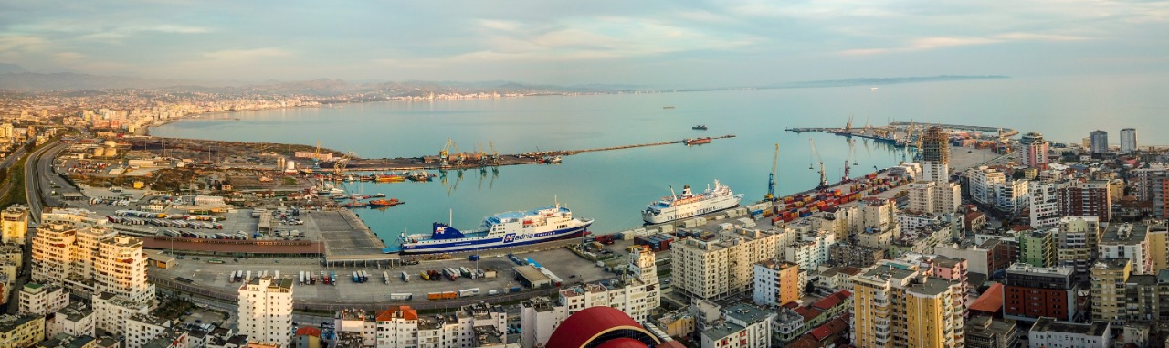 Ndahet nga jeta punonjësi i Portit të Durrësit, ishte infektuar me Covid-19