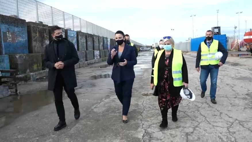 Ministrja Balluku inspekton Portin e Durrësit: Synohet të kthehet në Hotspot në Ballkan (VIDEO)
