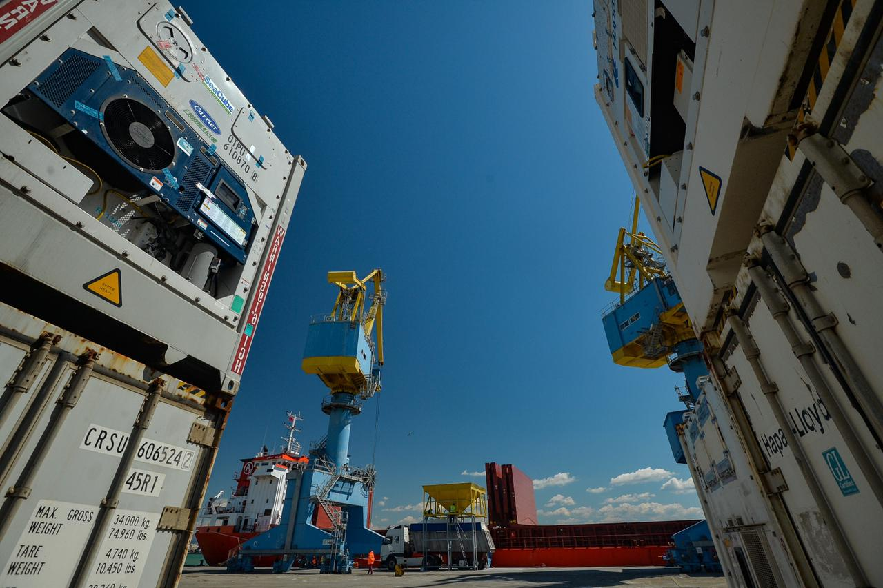 Rriten me 16% volumet e mallrave të transportuara me tragete në Portin e Durrësit