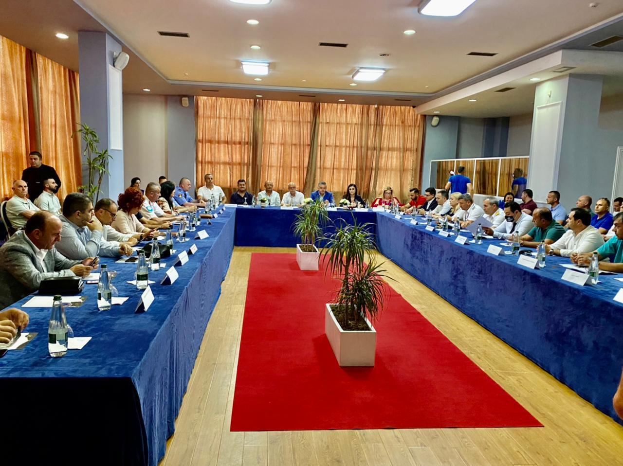 Mblidhet Komiteti i Turizmit në Durrës, diskutohen problematikat e sezonit dhe objektivat për të garantuar mbarëvajtjen e tij