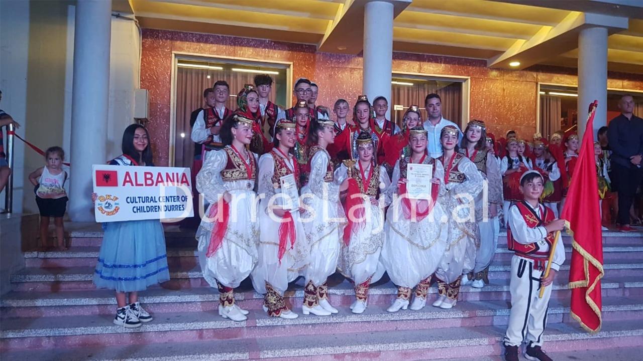 QKF Durrës dhe Violeta Beshiri nderohen me çmim të parë (VIDEO)