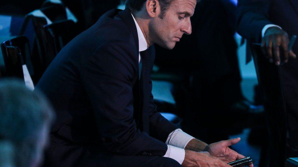 """Macron ndërron telefonin dhe numrin pas përgjimeve nga """"Pegasus spyware"""""""