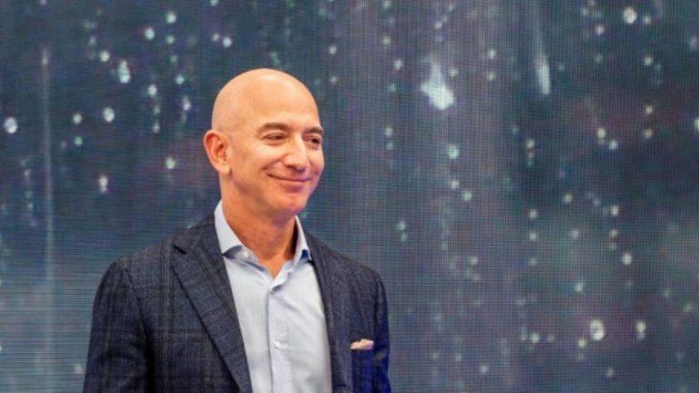 """""""Kam dashur ta bëj gjithë jetën time"""", Jeff Bezos udhëton sot në hapësirë"""