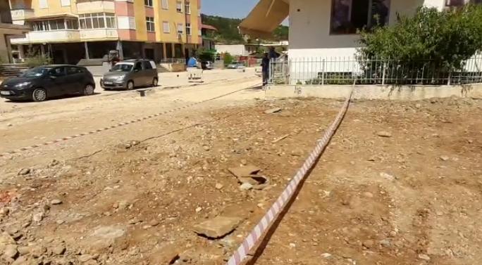 Makineritë e ndërtimit nxjerrin skelete njerëzish, zbulohet varr masiv i viktimave të diktaturës