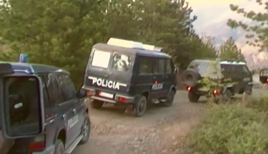 13 furgonë të FNSH nisen drejt Niklës dhe Ishmit, mbështeten dhe nga policia e Durrësit