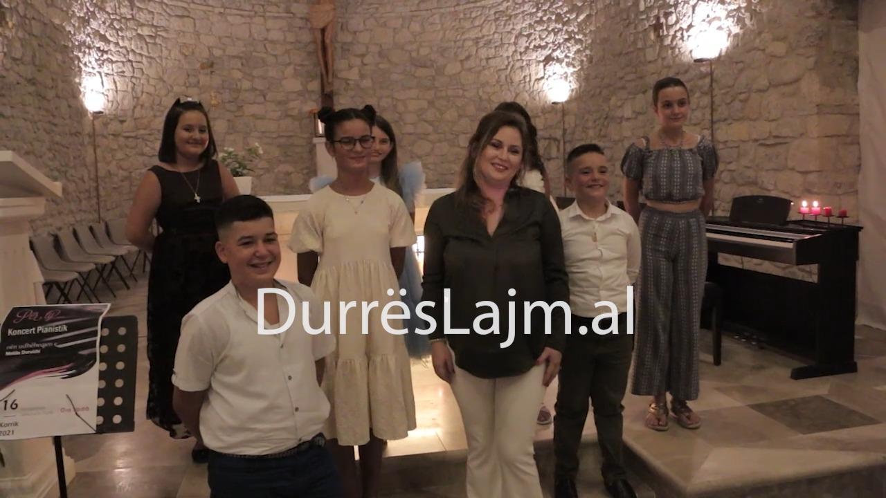 Koncert homazh për viktimat e Covid-19, nga pianistët e vegjël të Durrësit (VIDEO)