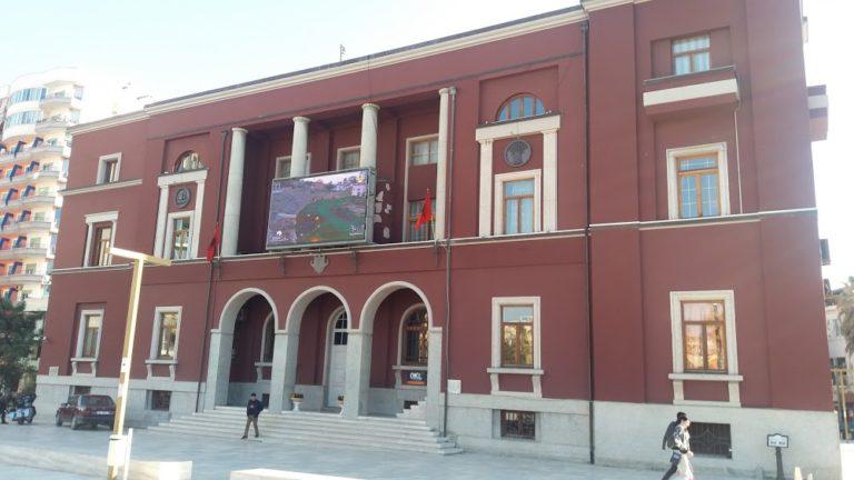 Bashkia Durrës shpall 12 vende të lira pune