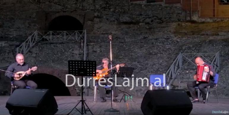 """Organizohet në Durrës koncerti """"Canta Napoli in Albania"""" (VIDEO)"""