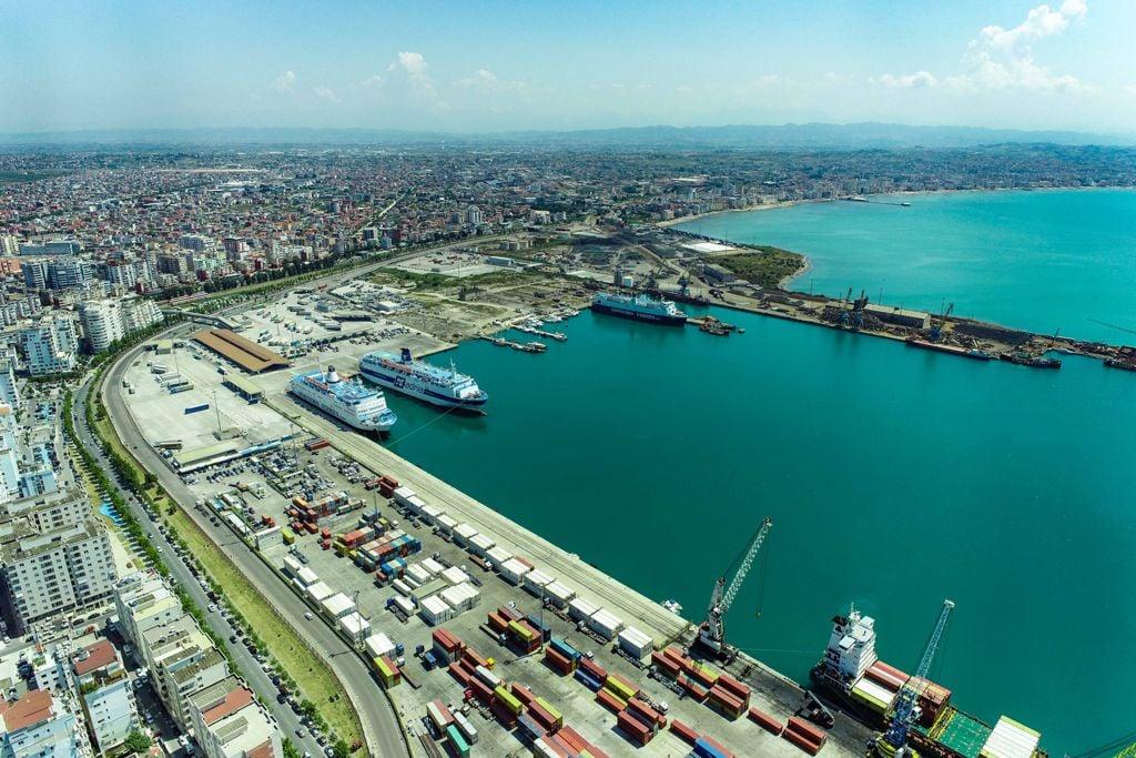 Njoftim i rëndësishëm për pasagjerët e linjës Durrës-Bari dhe Durrës-Ankona: Do udhëtojnë me të njëjtin traget mbrëmjen e sotme