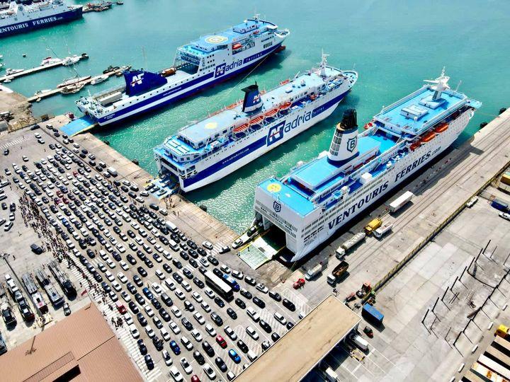Nga dita e nesërme rifillojnë lundrimet nga porti i Durrësit drejt atij të Ankonës