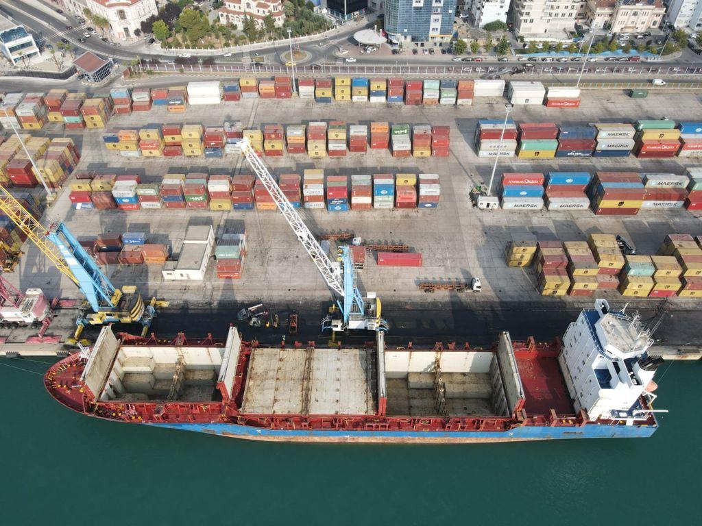 Lajme të mira nga porti i Durrësit/ Rritet volumi i eksporteve dhe importeve krahasuar me vitet 2019, 2020