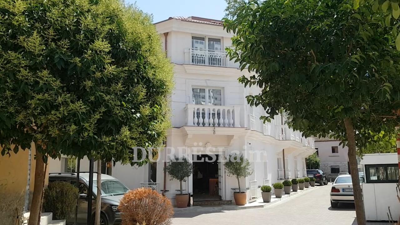 Një strukturë e re hoteliere i shtohet Durrësit/ Giulia Albergo, një miks mes klasikes dhe modernes (VIDEO)
