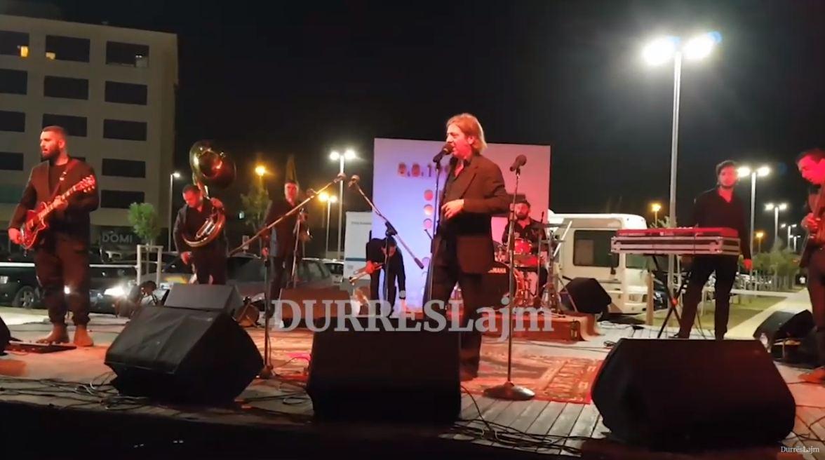 Grupi italian i muzikës Jazz interpreton në Durrës (VIDEO)