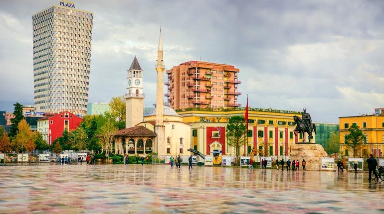 Shqipëria shpenzon 0.8% të PBB-së për mbrojtjen, si krahasohet me shtetet e Europës