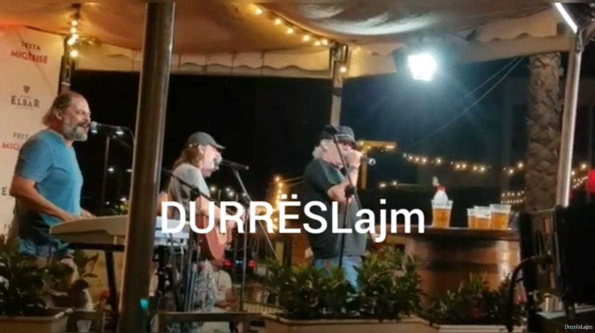 """""""Tre Musketierët"""" e rock-ut shqiptar performojnë në """"Festën e Miqësisë"""" në Durrës (VIDEO)"""