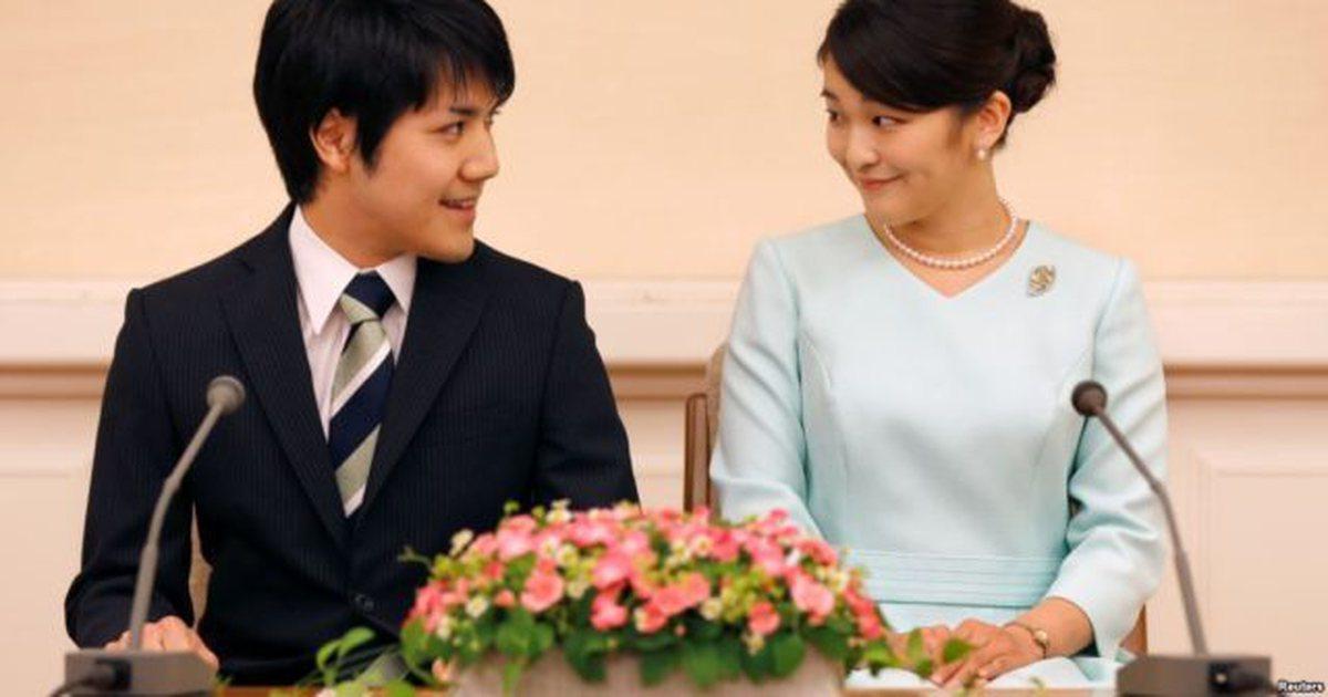 Princesha japoneze heq dorë nga posti mbretëror dhe 1 milion dollarë për t'u martuar me shokun e klasës
