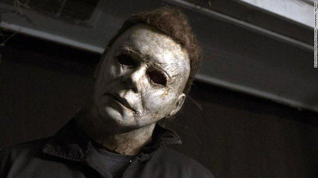 1.300$ për të parë 13 filma horror në tetor!