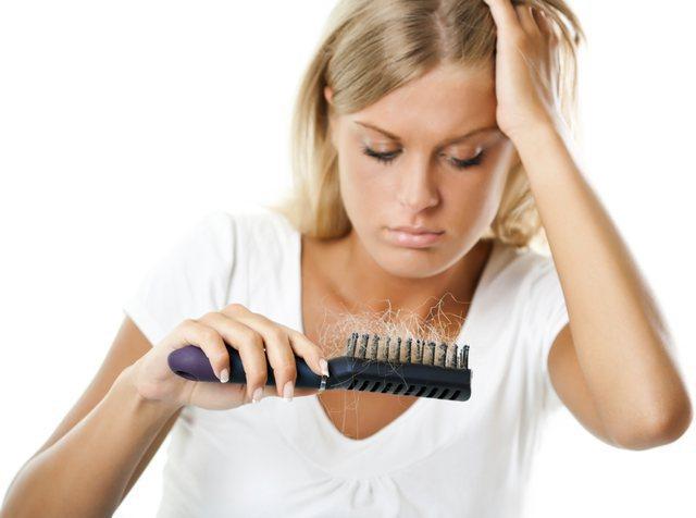 Si ta kuptosh që rënia e flokëve në vjeshtë është sezonale