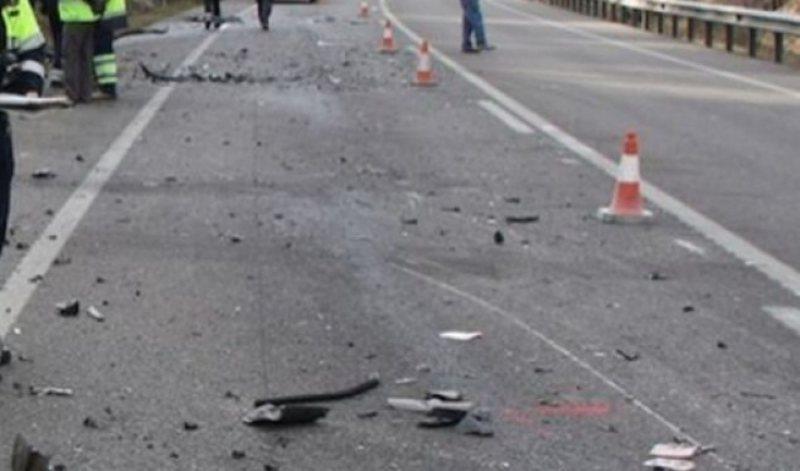 Përplaset makina me një motomjet, një i plagosur në Durrës