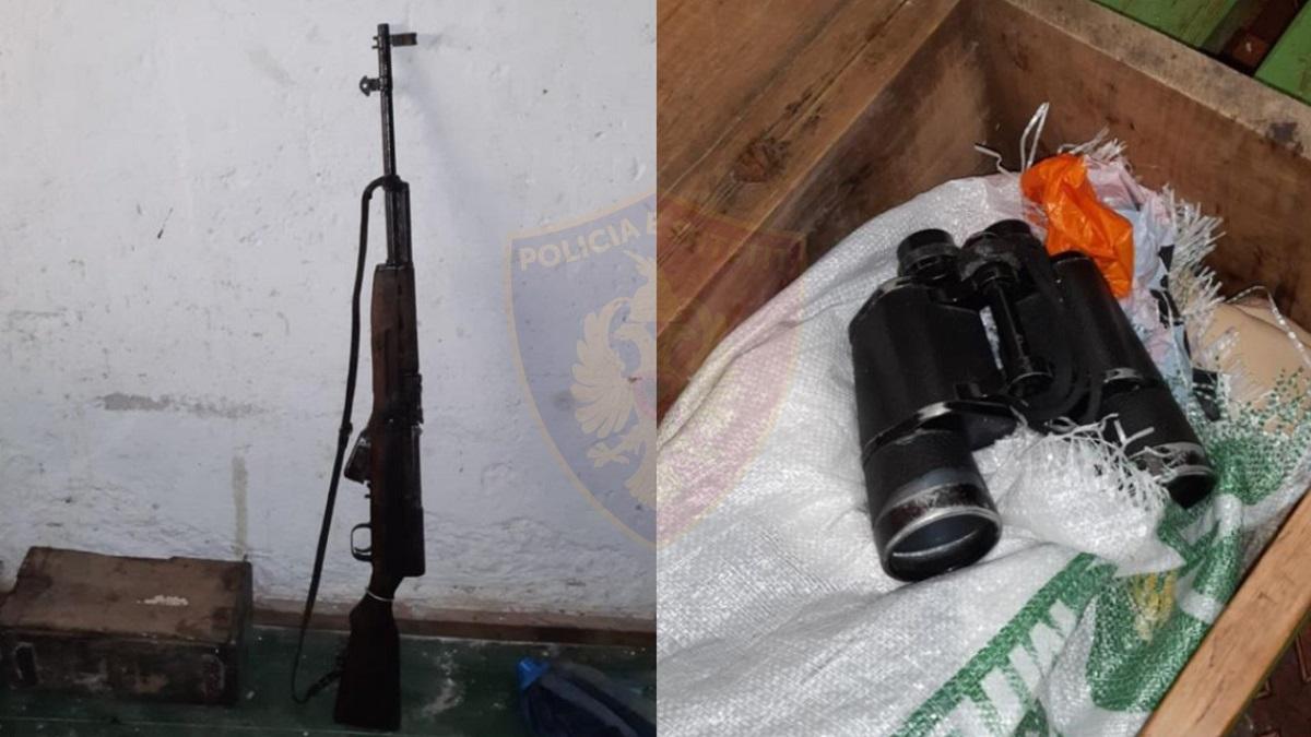 Me armë, municion luftarak dhe dylbi në banesë, kapet 51-vjeçari
