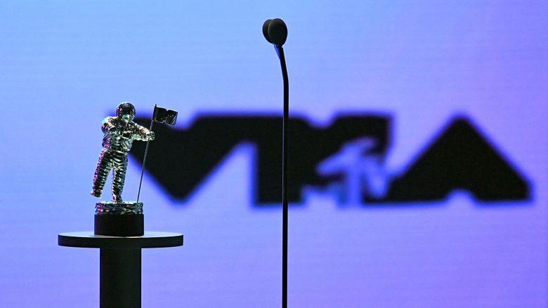 """Ndarja e çmimeve """"MTV Video Music Awards 2021"""", artistët që triumfuan"""
