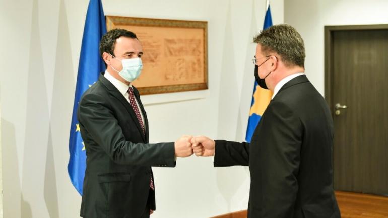 Kurti dhe Lajçak diskutojnë për dialogun, jo edhe për hapjen e arkivave