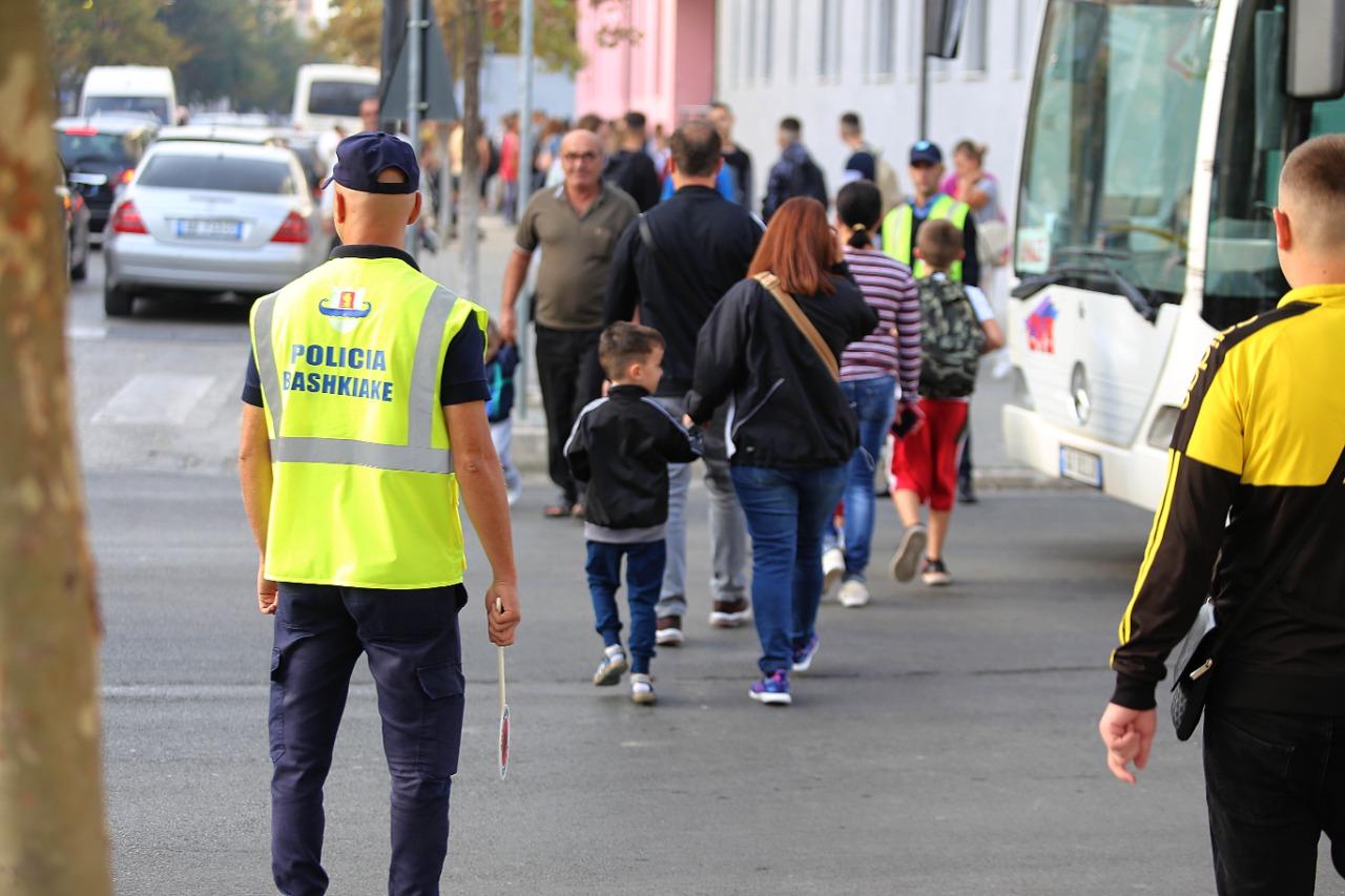 Nisja e vitit të ri shkollor, Policia Bashkiake e Durrësit në terren (FOTO)