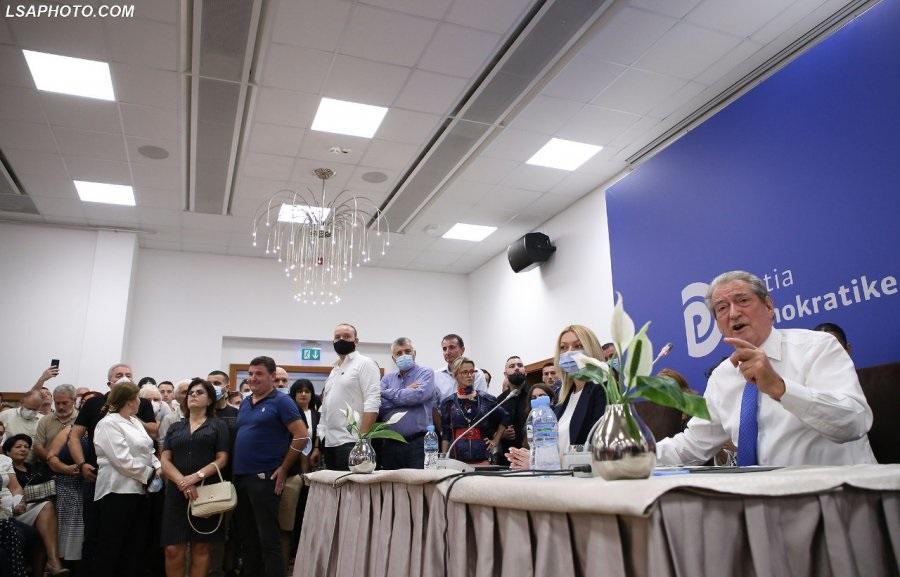 Mbyllet me entuziazëm takimi i Foltores, Berisha tregon kush do e udhëheqë PD-në