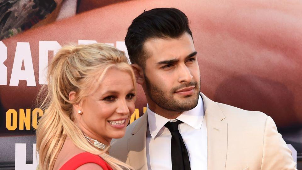 Britney Spears fejohet me të dashurin 12 vite më të ri