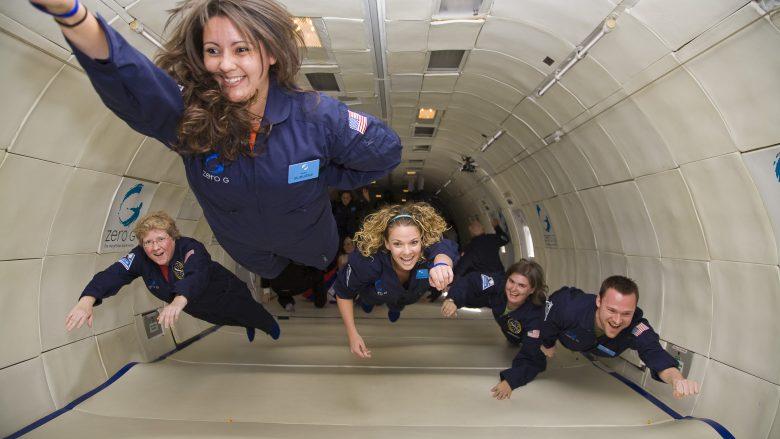 Ëndërroni që të udhëtoni në hapësirë? Ja sa kushton bileta për të shijuar gravitetin zero