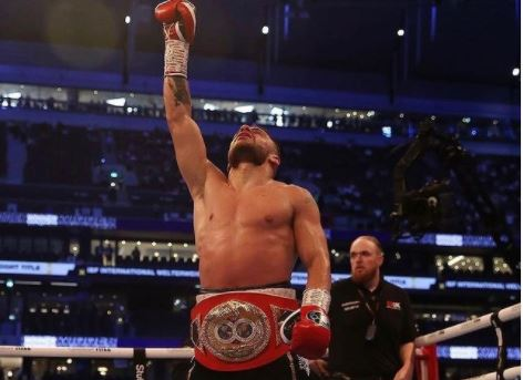 Ambasada amerikane uron boksierin Florian Marku: Suksese të mëtejshme kampion