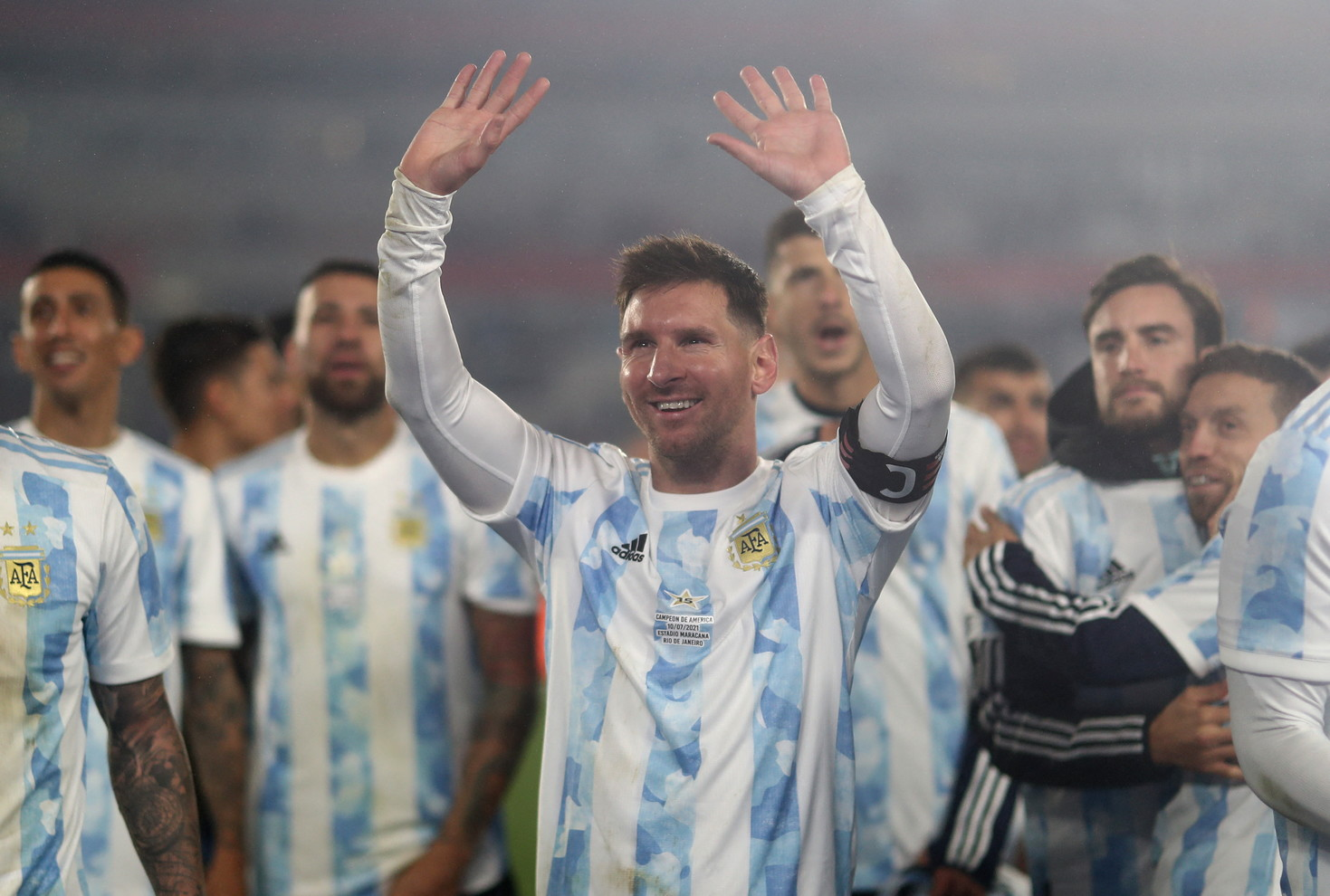Messi thyen rekordin e Pele, fitojnë Argjentina dhe Brazili!