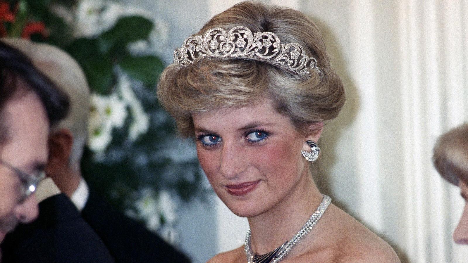 "Publikohet trajleri zyrtar i ""Diana: The Musical"" (VIDEO)"