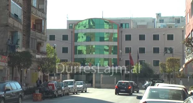 Bënë për spital 30-vjeçarin, policia e Durrësit arreston dy autorët