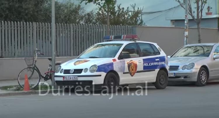 Durrës, gjendet pa jetë në një makinë të parkuar një grua