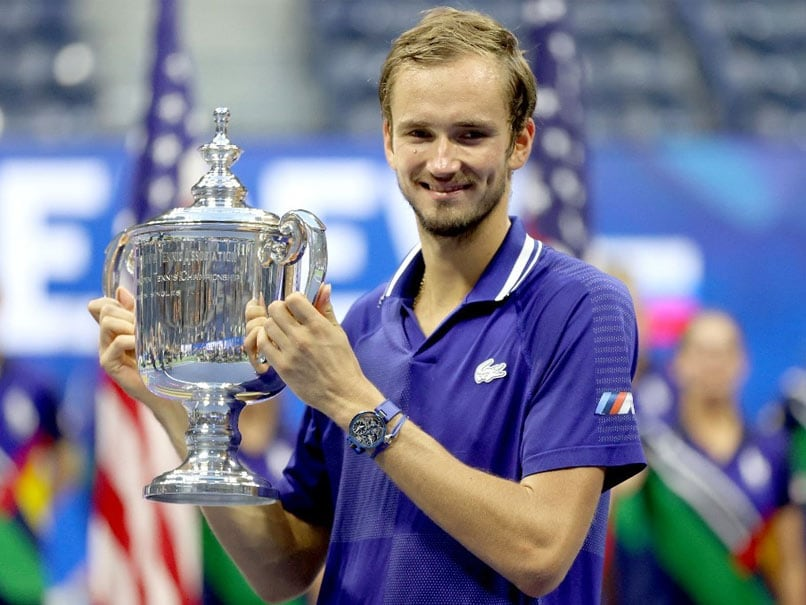 Tenis/ Medvedev shuan ëndrrën e Djokovicit, rusi fiton Grand Slamin e parë në karrierë