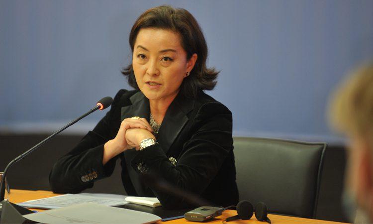 Ambasadorja Kim: Parlamenti duhet të votojë zgjatjen e mandatit të vettingut!