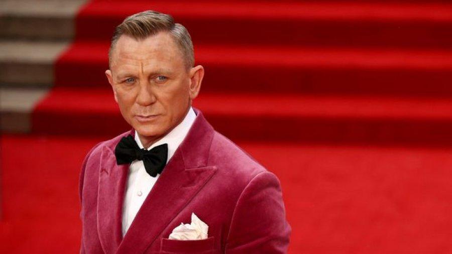 Daniel Craig zbulon pse shkonte në bare gay