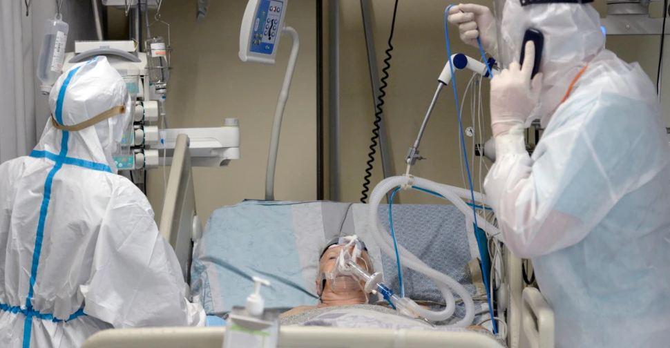 OBSH: Covid mund të ketë vrarë mbi 80 mijë punonjës shëndetësorë