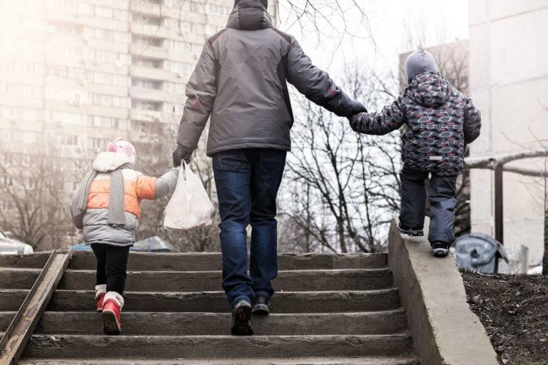 2014-2020, shpenzimet e familjeve me arsim të ulët u rritën më shpejt se tek ato me arsim të lartë