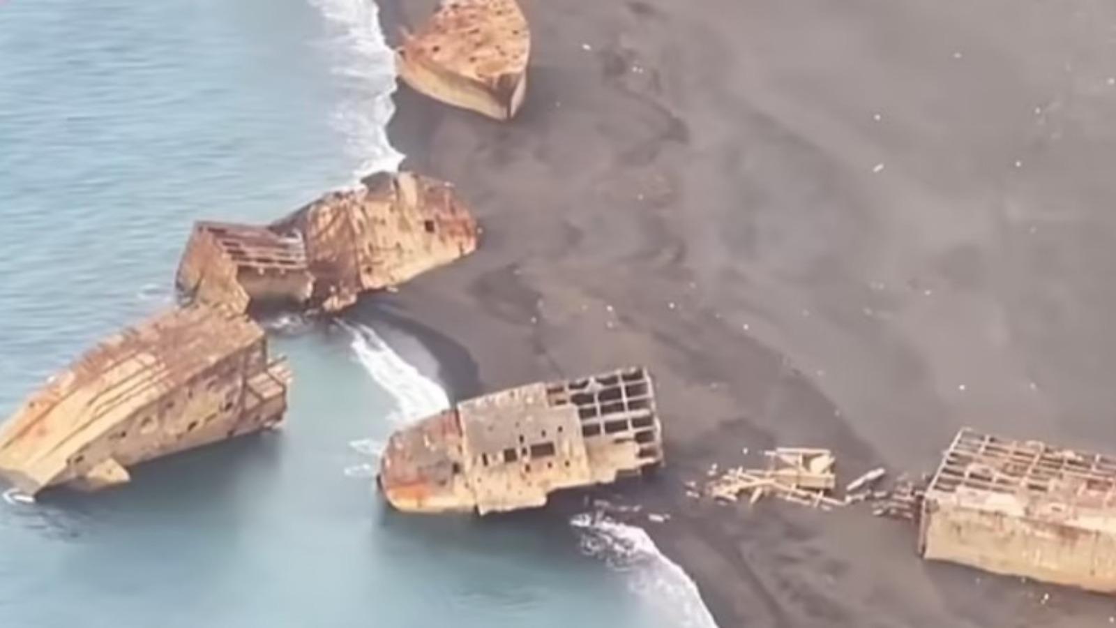 Vullkani zbulon anijet luftarake të fundosura në brigjet e një ishulli në Paqësor