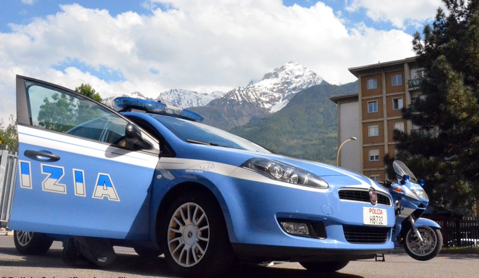 EMRI/ Kokaina fundos 36-vjeçarin shqiptar, ndërsa lëvizte me makinë me djalin