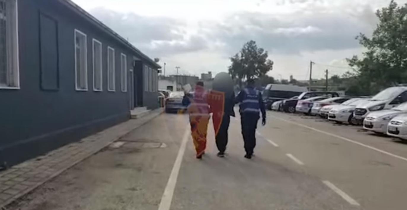Vodhi i maskuar në një biznes, arrestohet 26-vjeçari (VIDEO)