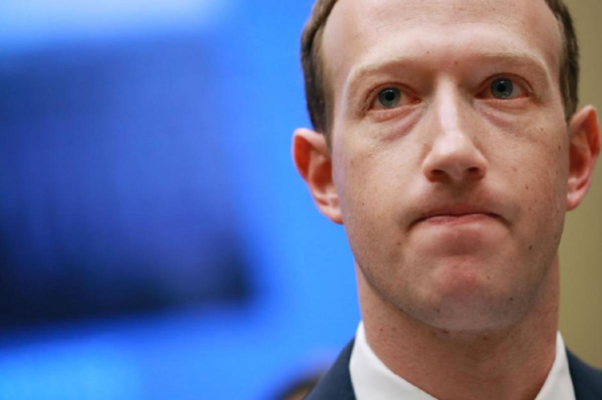Zuckerberg humbi 5.9 miliardë dollarë nga mosfunksionimi i Facebook